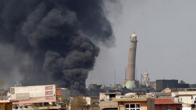 Pád hlavní mešity Islámského státu: symbolická výhra, která vlastně není až tak dobrou zprávou