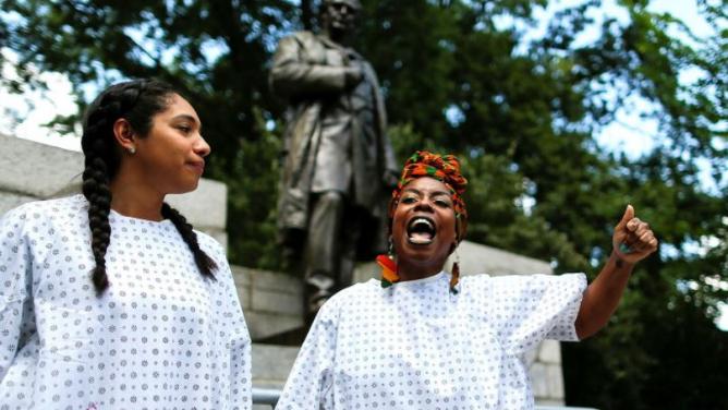 Americká kulturní revoluce: Po sochách konfederačních vojáků a prezidentů požadují levicoví aktivisté stržení isochlékařů