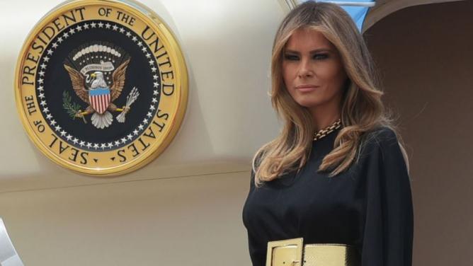 Melania Trumpová se vSaúdské Arábii ukázala jako dokonale emancipovaná první dáma. Proč není hrdinkou feministek?