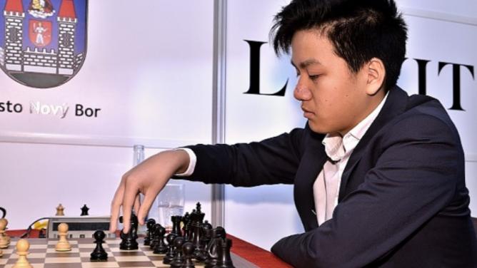Českým šachovým velmistrem bude 16letý mladík svietnamskými kořeny Thai Dai VanNguyen