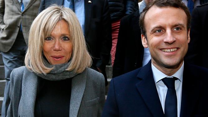 Favorit francouzských voleb Macron: Oženil se se svou o24let starší učitelkou