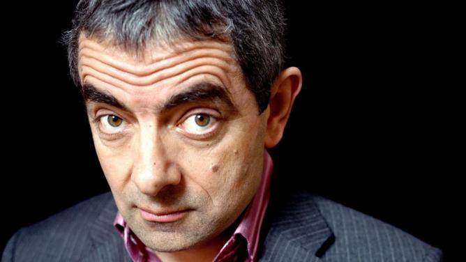 Další komik vyhlásil válku politické korektnosti. Mr. Bean Rowan Atkinson bojuje za právo urážetdruhé