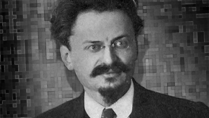 Před 77lety byl cepínem zavražděn bolševik Trockij. Po propuštění zvězení žil jeho vrah kousek zaPrahou