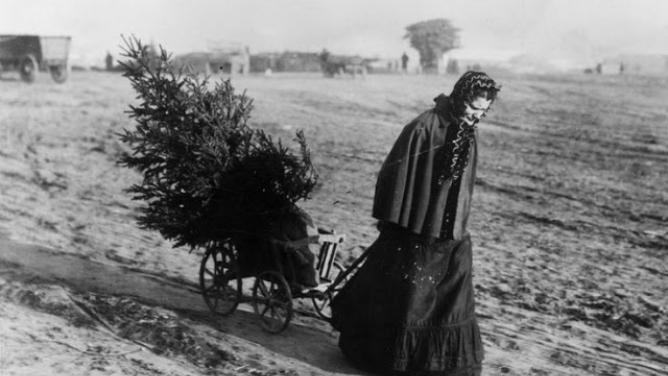 8fotografií, které přibližují slavnostní atmosféru Vánoc před více než 100lety