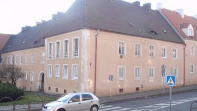 Byt vLitvínově, který byl postaven pro Hitlera, je na prodej. Majitelem nemovitosti je popírač holokaustu a sběratel klystýrů