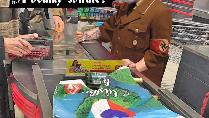 Zlásky ke Třetí říši? Nacistická pokladní vKauflandu vyvolala vlnu opovržení ičernéhohumoru