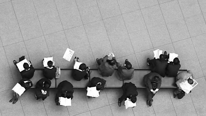 Jak dlouho zůstávají nezaměstnaní bez práce?