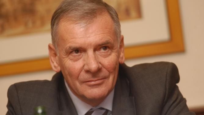 Další prezidentský kandidát: 5věcí, co byste měli vědět oVratislavu Kulhánkovi, který chce být hlavoustátu