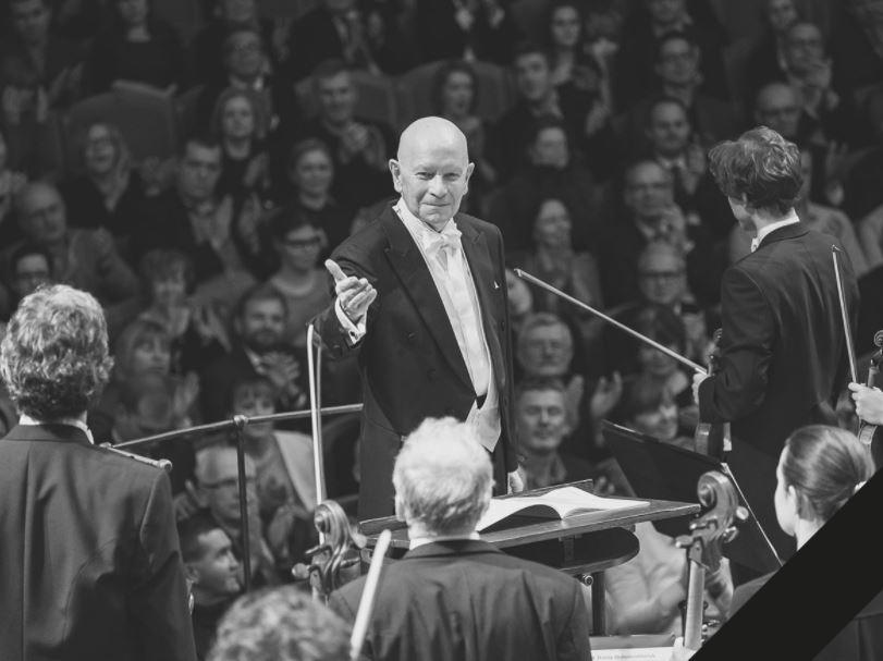 Ač bojoval s těžkou nemocí, do poslední chvíle Jiří Bělohlávek neodložil taktovku a se vší vervou dirigoval.