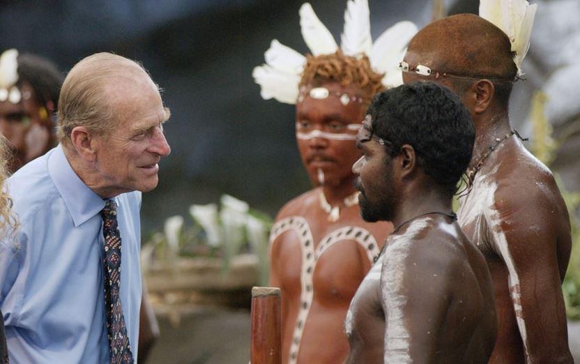 Návštěvy prince Philipa v Africe se nikdy neobešly bez nekorektního humoru.
