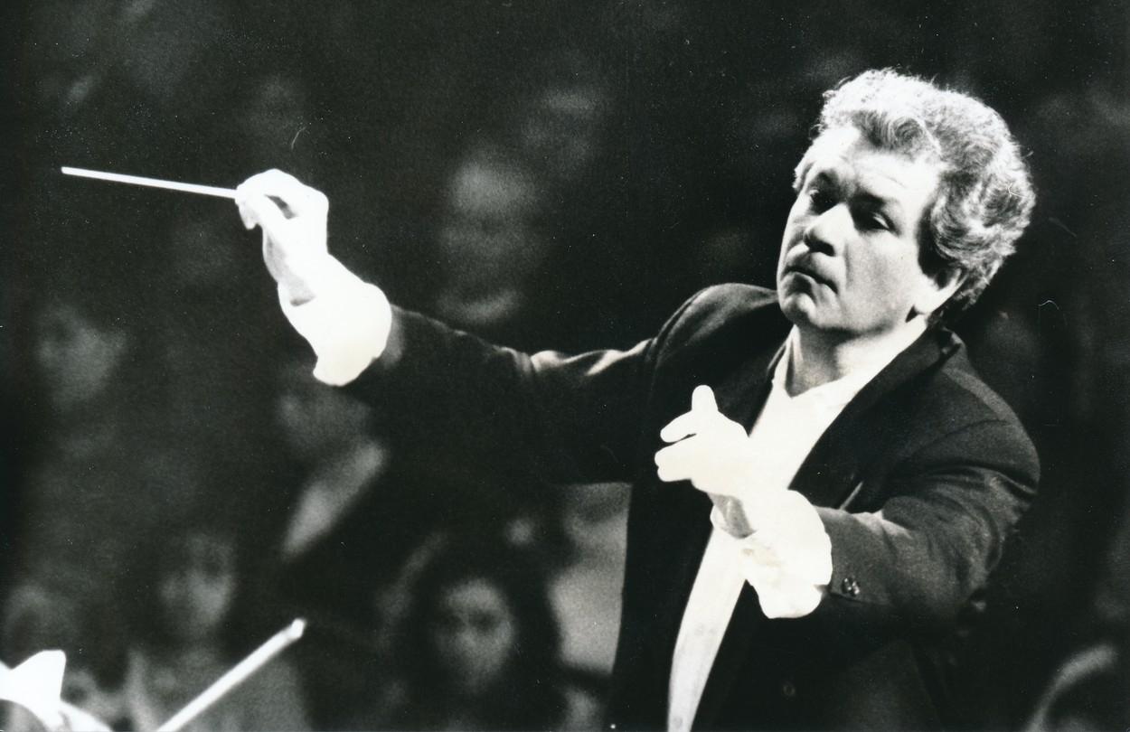 Od mládí byl Jiří Bělohlávek hudebním géniem. Hudba pro něj znamenala všechno, zasvětil jí celý svůj život.