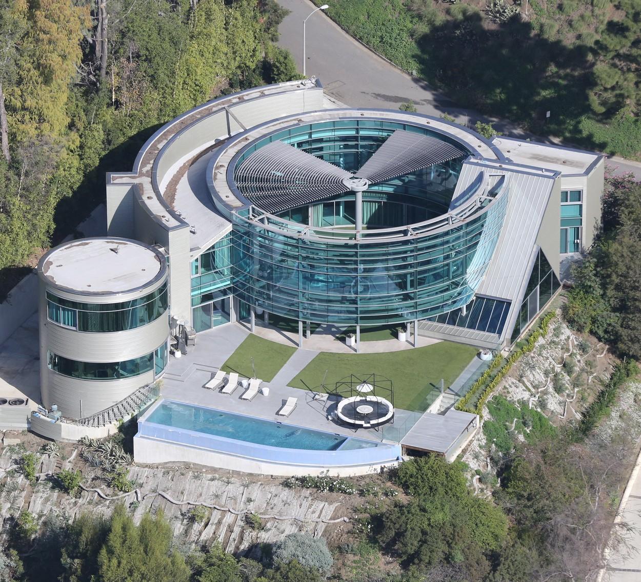 Dům v Beverly Hills s nájmem 55 000 korun. Denně