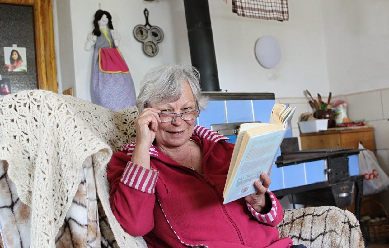 """Jedna z """"profesionálních babiček"""", Magdalena Ria Kovaříková, která působí v Pelhřimově"""