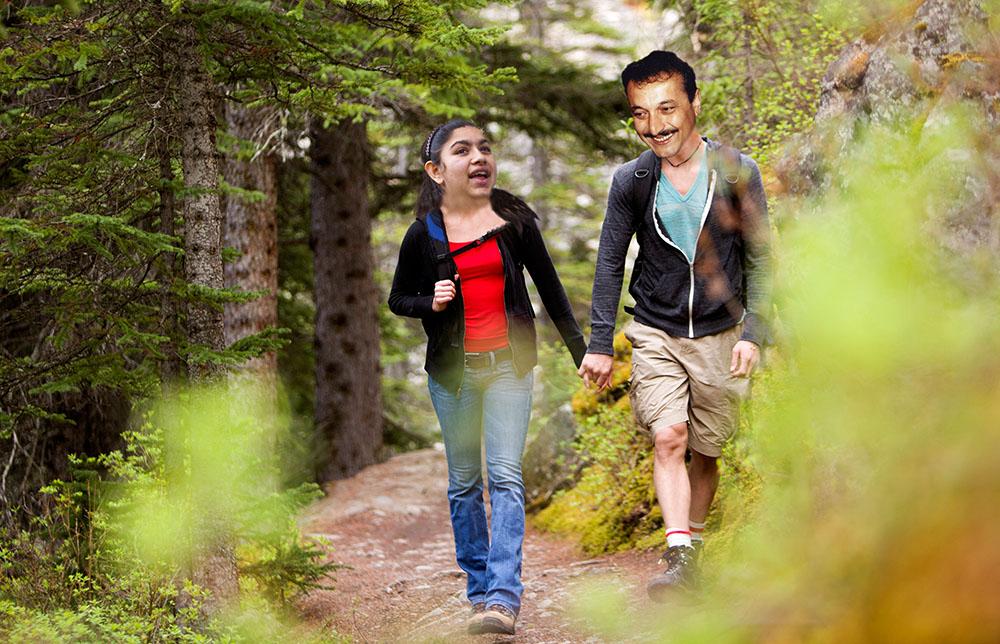 Romové se v národních parcích chovají, na rozdíl od Čechů, v souladu s návštěvním řádem tak nenápadně, že je velmi těžké je vůbec spatřit.