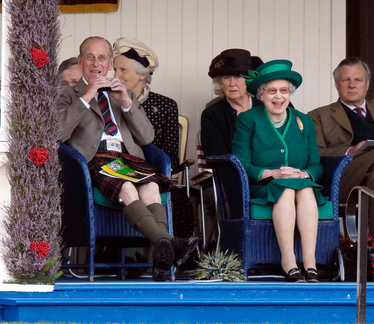 """4. září 2007 – královský pár na dostizích v Ascotu. """"Tamten hroch vypadá trochu jako kůň."""""""