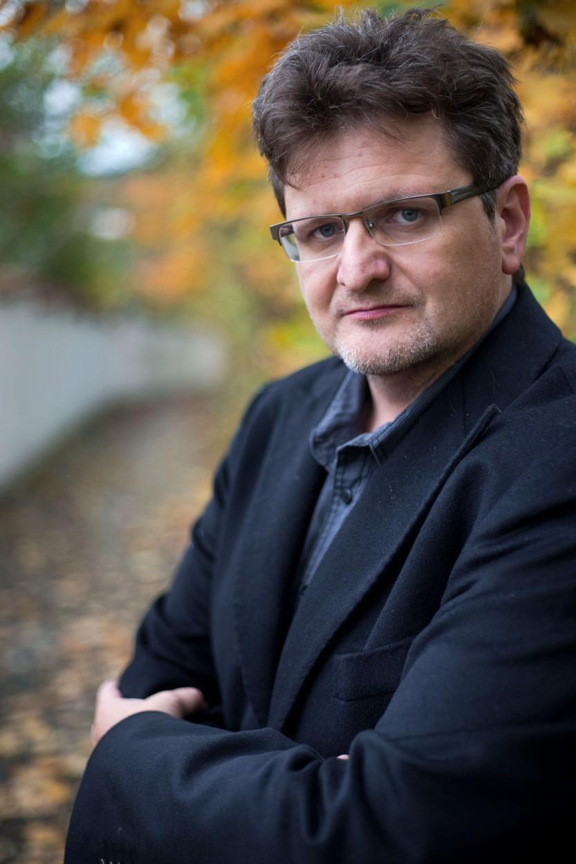 Šafr Pavel, svérázná postavička české mediální scény posledních 20 let. Po neblahém působení v Blesku, odkud byl nucen odejít, se odklidil do marginálního webu.