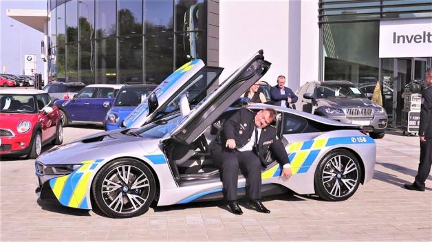 I Policie ČR disponovala hybridním BMW. Bohužel s ním ale nabourali.