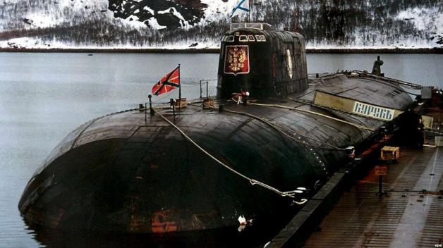 Kursk byl svého času jednou z největších ponorek na světě. Říkalo se o něm, že je nepotopitelný. To byl ale krutý omyl.
