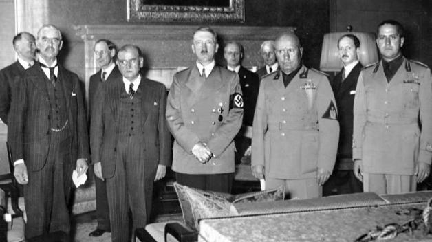 Čtveřice vrcholných představitelů Německa, Itálie, Velké Británie a Francie, která před 79 lety odsoudila Československo ke zkáze.