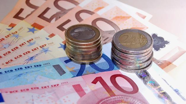 Budeme jednou eurem platit i v Česku?