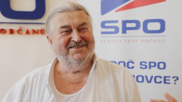 Volební lídr SPO František Ringo Čech si zaslouží vyhrát tak leda v krajském přeboru v trapnosti.