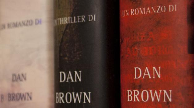 Úspěch Dana Browna je založen na tom, že čtenáře udržeje neustále v napětí.