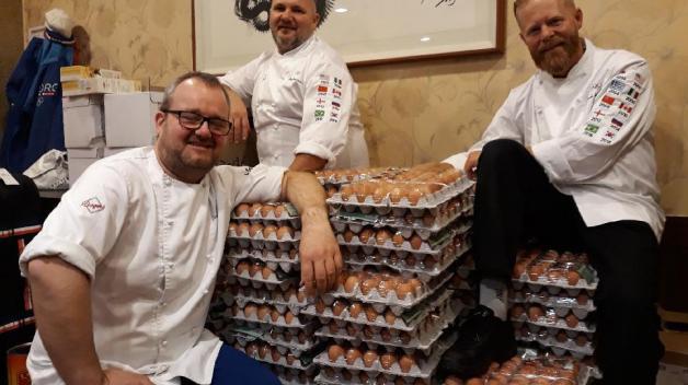 Kuchaři norského olympijského týmu objednali pro sportovce 1500 vajíček, dostali jich desetkrát tolik. Ups.