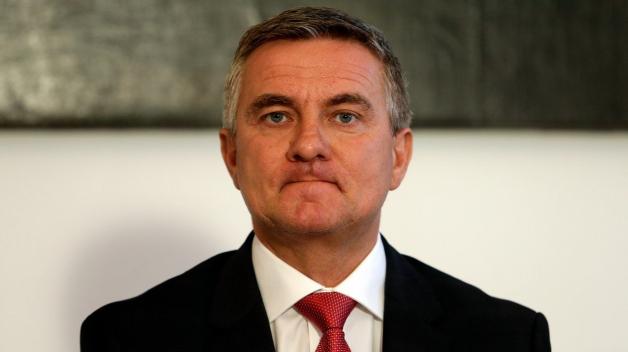 Po pěti letech obcházení zákona a fungování v hradní kanceláři musel Vratislav Mynář v závěru loňského roku zveřejnit majetkové přiznání.