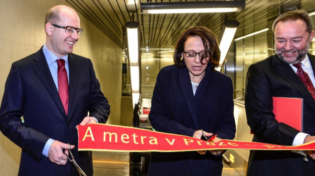 Krnáčová při otvíračce nových stanic metra linky A.
