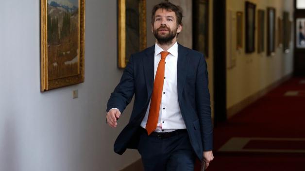 Robert Pelikán roztáhl křídla a oznámil, že končí s vládou i vysokou politikou.