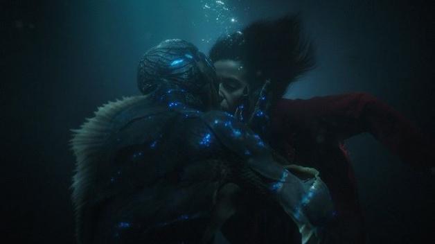 Tvář vody zabodovala; stala se nejlepším filmem roku, nominaci proměnil také režisér snímku Guillermo del Toro.