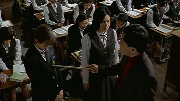"""V Číně bují """"školy morálky"""", kde se dívky učí být poslušné manželovi za každých okolností."""