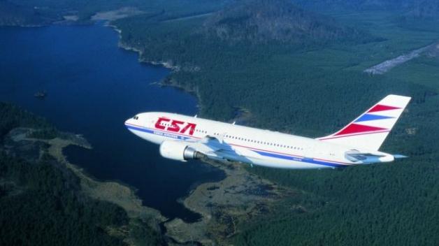 Na palubě letadel a lodí registrovaných v České republice platí český trestní zákoník, takže bacha.
