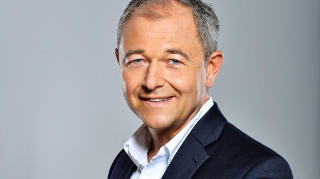Dlouhá léta patřil Jan Mühlfeit ke špičkám evropského Microsoftu. Teď radí lidem, jak se stát úspěšnými leadry, ve své nové knize.