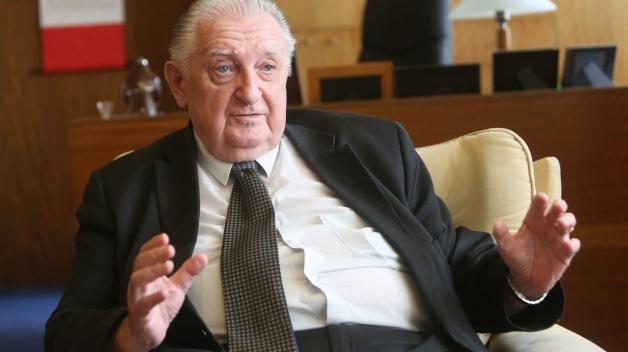 Senátor František Čuba nenavštívil více než 17 měsíců horní komoru Parlamentu.