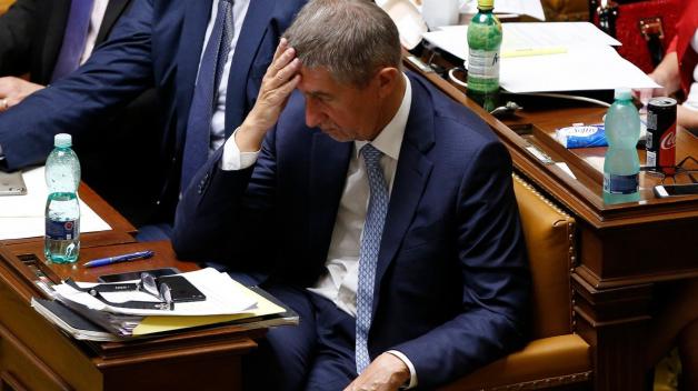 Takhle nějak se tvářil každý, kdo byl nucen sedmihodinové jednání poslanecké sněmovny sledovat.