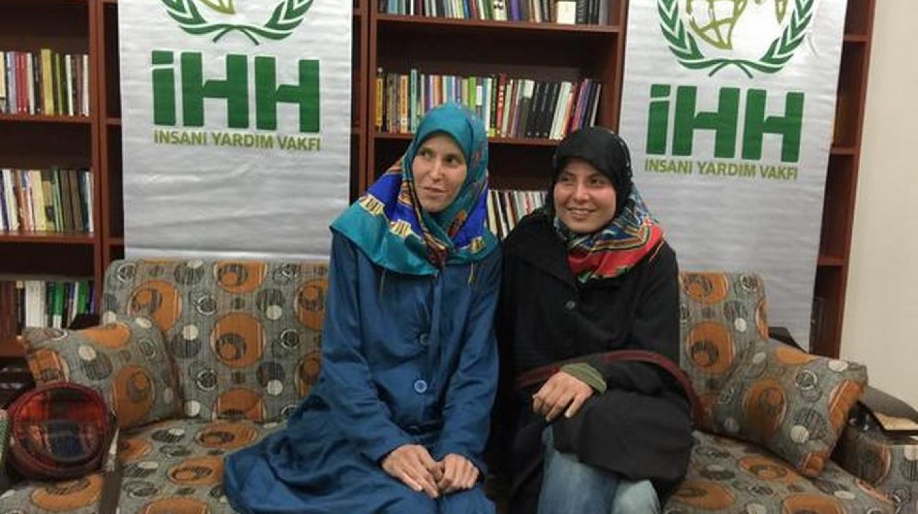 Tuhle fotku zveřejnila před pár hodinami turecká humanitární organizace IHH, která osvobození unesených Češek vyjednala.