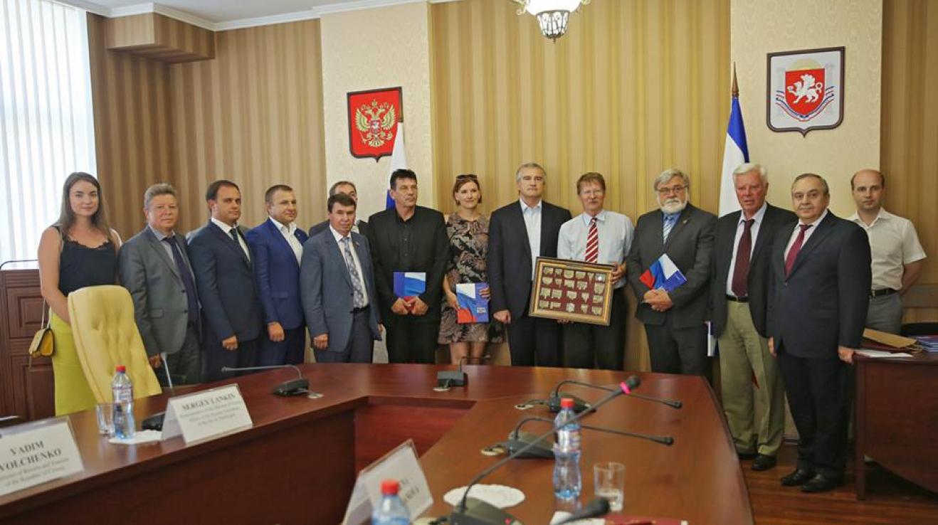 Setkání české delegace s premiérem autonomní republiky Krym Sergejem Aksjonovem.