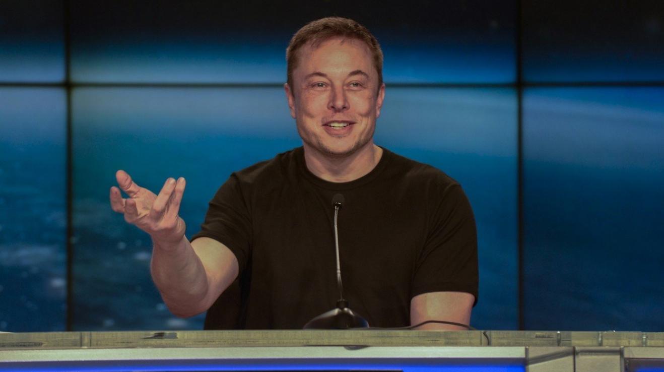 Elon Musk smazal facebookové profily Tesly a SpaceX.