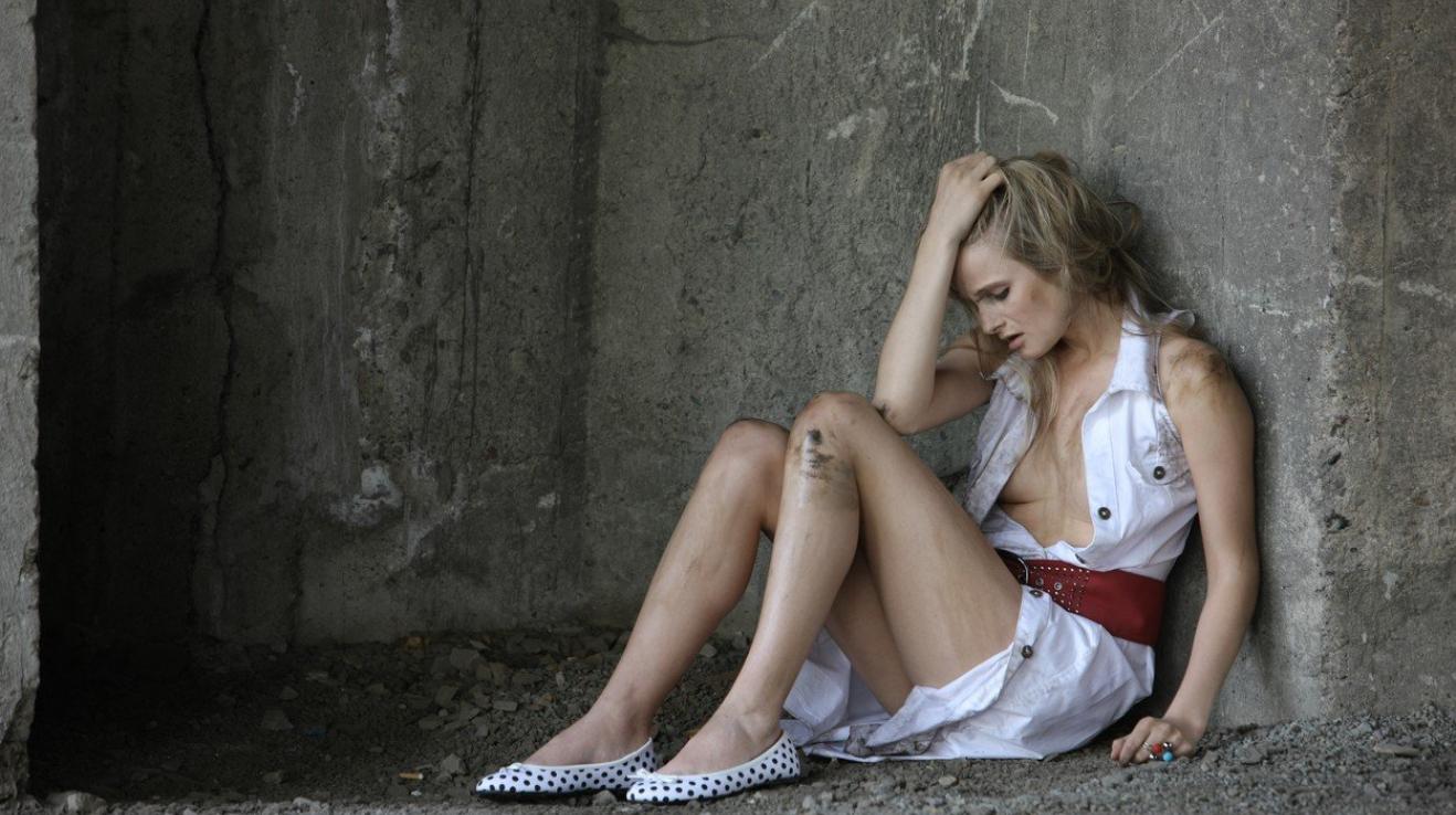 Pět procent žen v EU bylo podle průzkumu znásilněno.