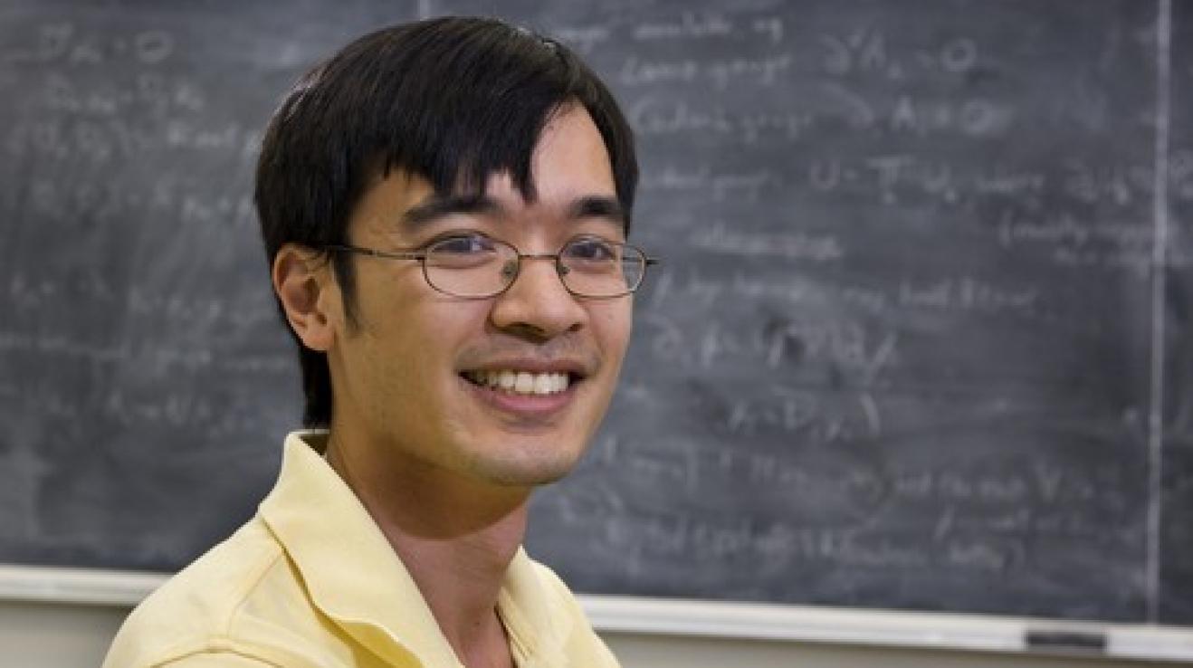 Terence Tao nedostal ke dvacetinám od svých kámošů láhev whisky, ale profesůru.