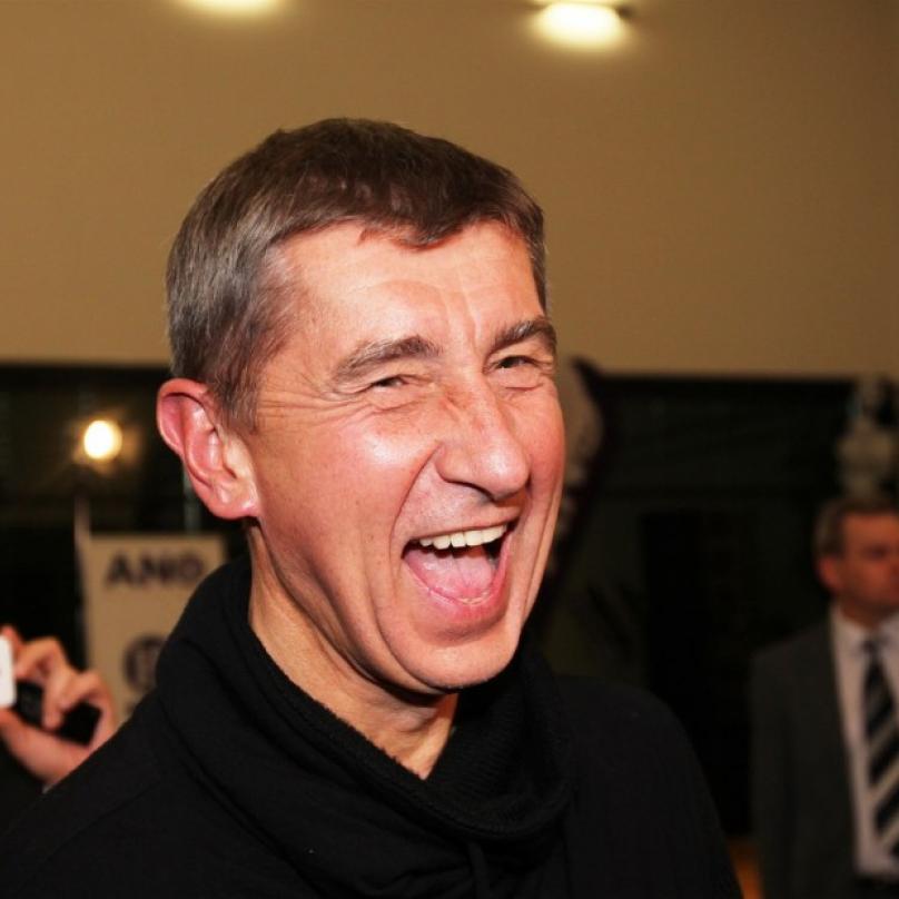 Andrej Babiš se může klidně smát. Jeho vydání do rukou spravedlnosti je vzdálenější než kdy dřív.
