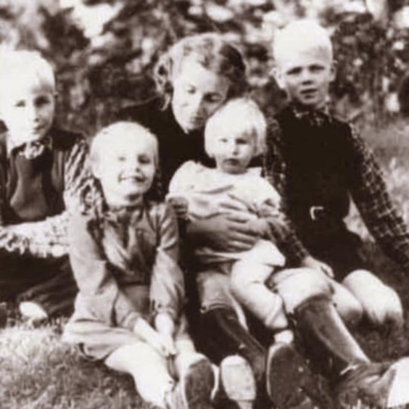 Lina měla s Heydrichem celkem čtyři děti. Říšský protektor byl vzorným manželem i otcem.