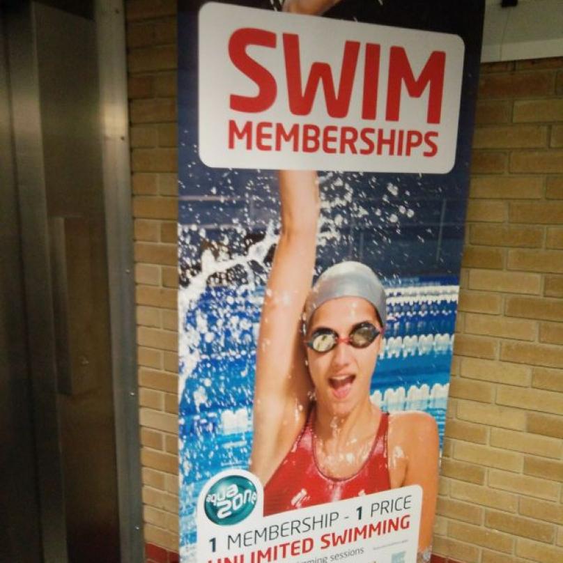 Nekonečná ruka pro lepší plavecké výkony a větší nadšení.