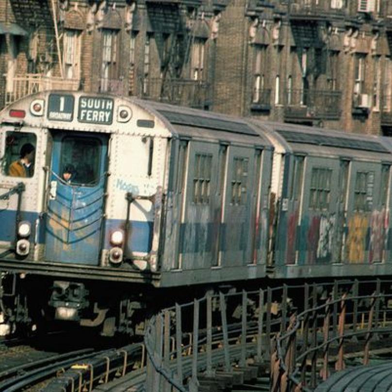 Souprava metra v 80. letech minulého století.