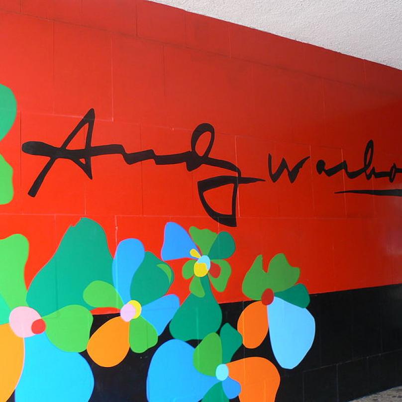 Muzeum moderního umění Andyho Warhola ve slovenském městě Medzilaborce, které leží kousek od rodné obce jeho rodičů.