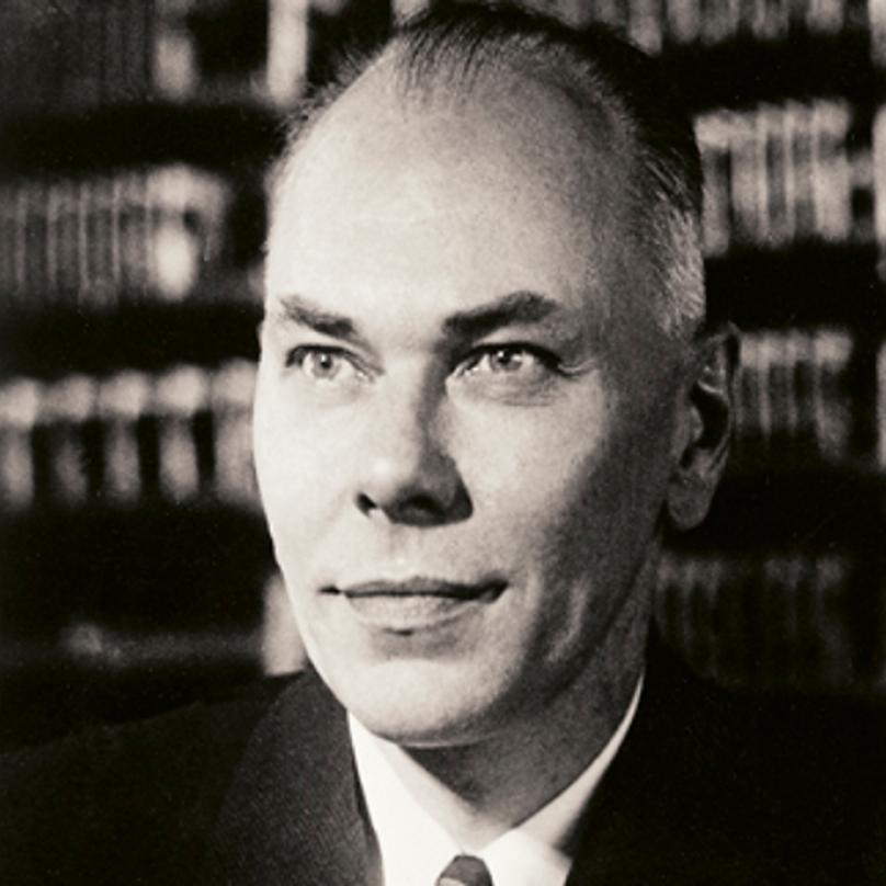 Duchovní otec prvního počítače Howard Aiken.