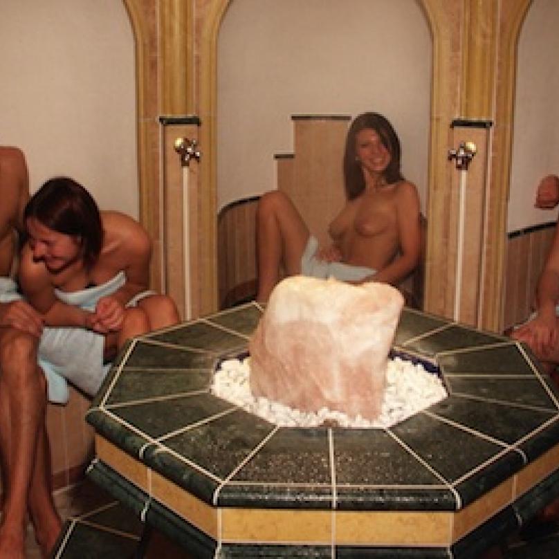 ...večer relax v sauně.