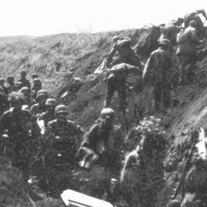 Waffen-SS se připravují k útoku