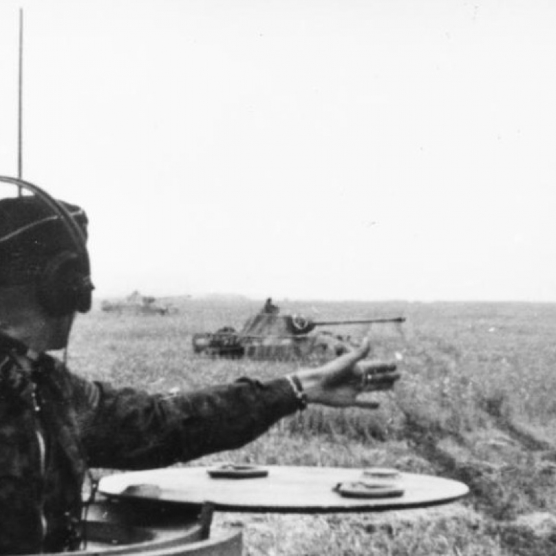 Německé tanky typu Panther a jejich řazení do výchozích pozic